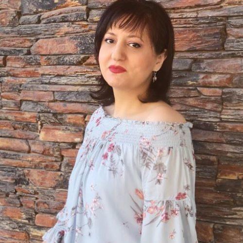 Анна Саядян